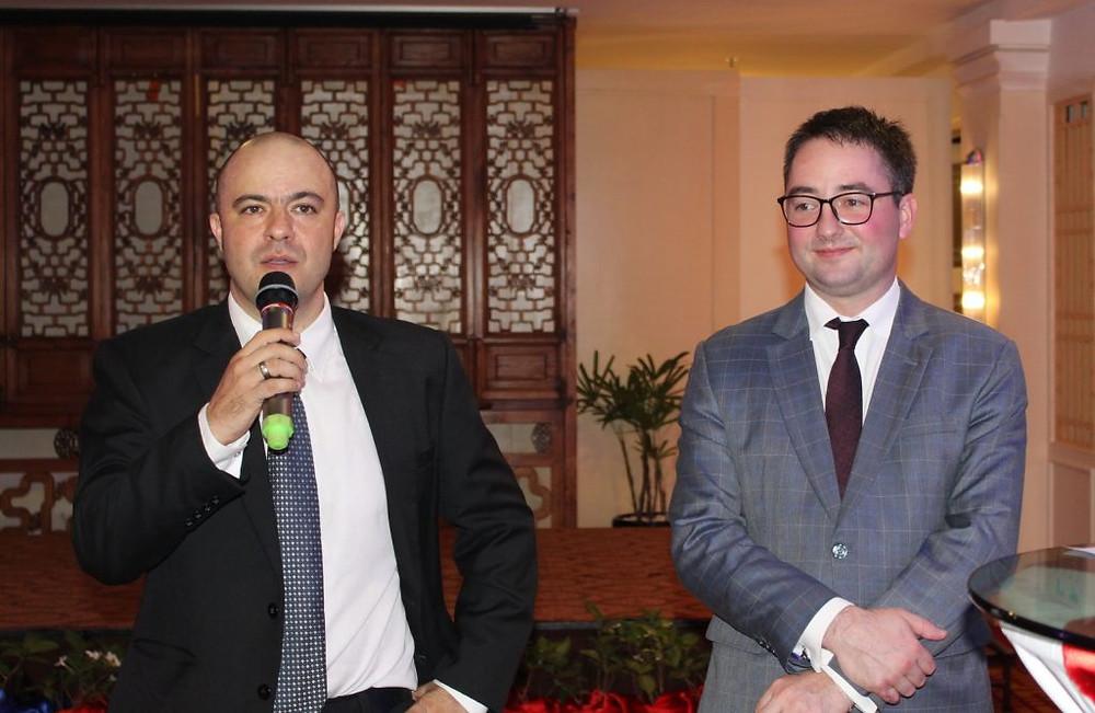 Messieurs Sampere et Veeckmans, respectivement Président et Vice-Président de Good France au Cambodge