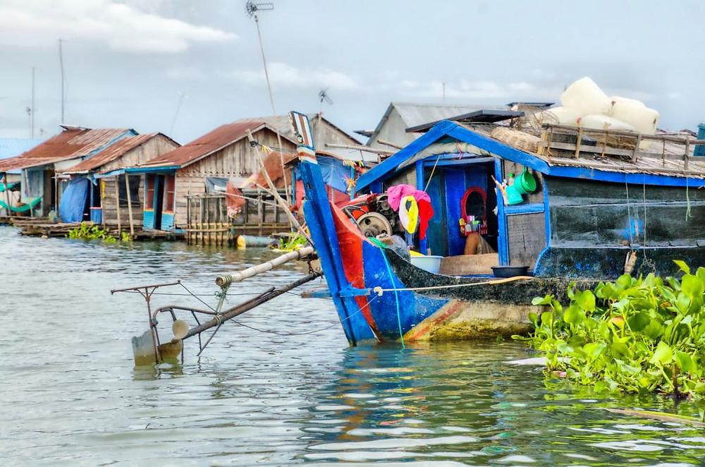 Embarcation-maison de pêcheur