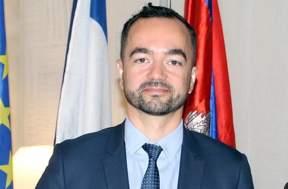 consul Adrien Cavey