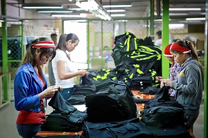 Travailleuses du textile. Photographie ILO (CC)
