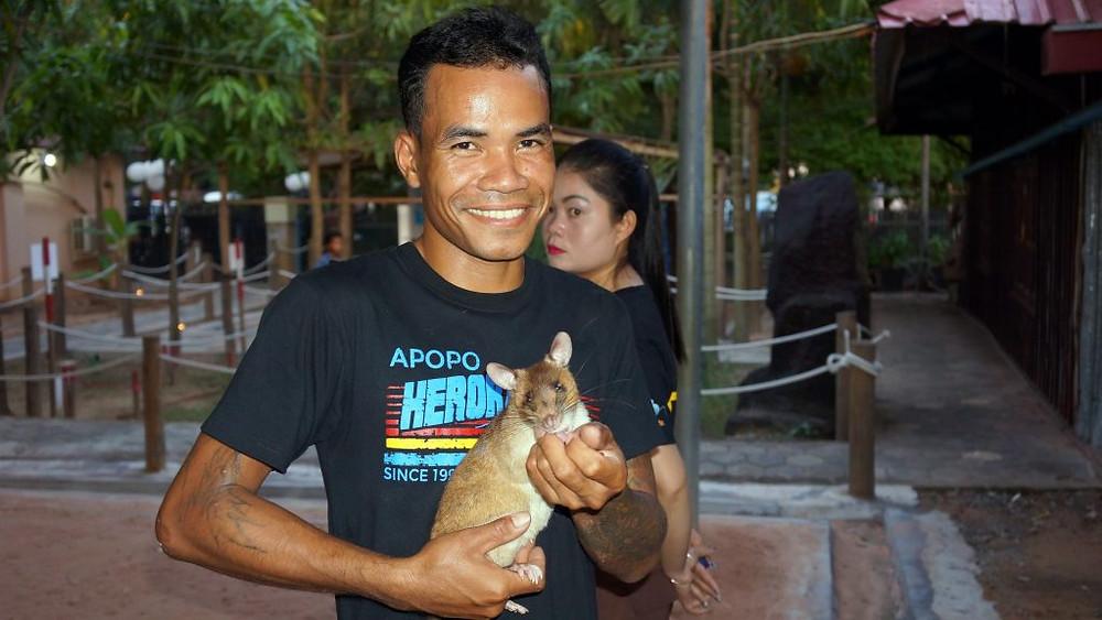 Inauguration officielle du tout nouveau Centre des visiteurs de l'ONG spécialisée dans le déminage, APOPO, à Siem Reap.