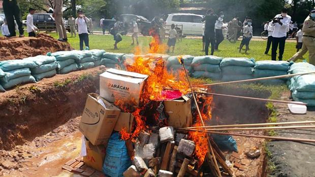 Destruction de drogues à Preah Vehar