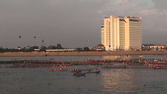 Fête des Eaux à Phnom Penh 2014