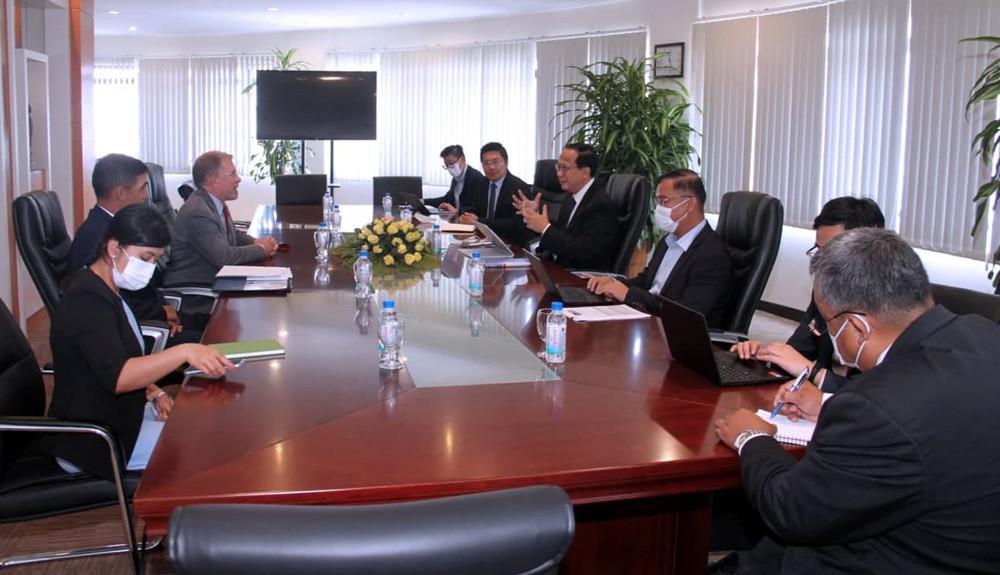Rencontre entre l'ambassadeur américain et le ministre du Commerce