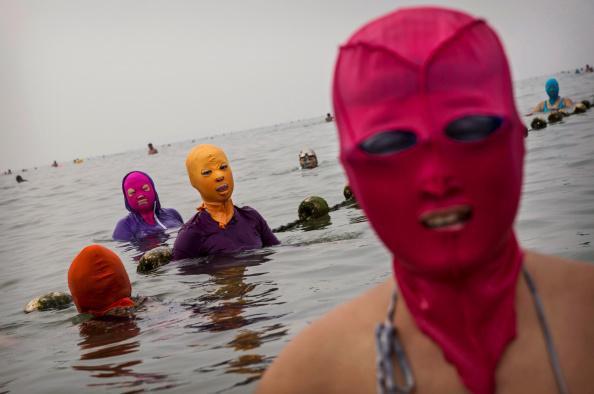 Facekini, la tendance de l'été sur les plages de Chine