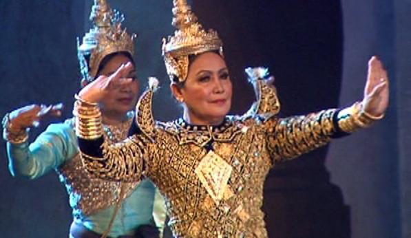 Journée Internationale des Femmes 2021 : Pen Sokhoun, danseuse rescapée
