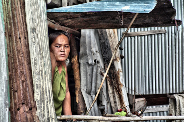 Clichés pris au hasard de Phnom Penh, sans thème particulier, portrait, photo insolite ou simplement belles couleurs...