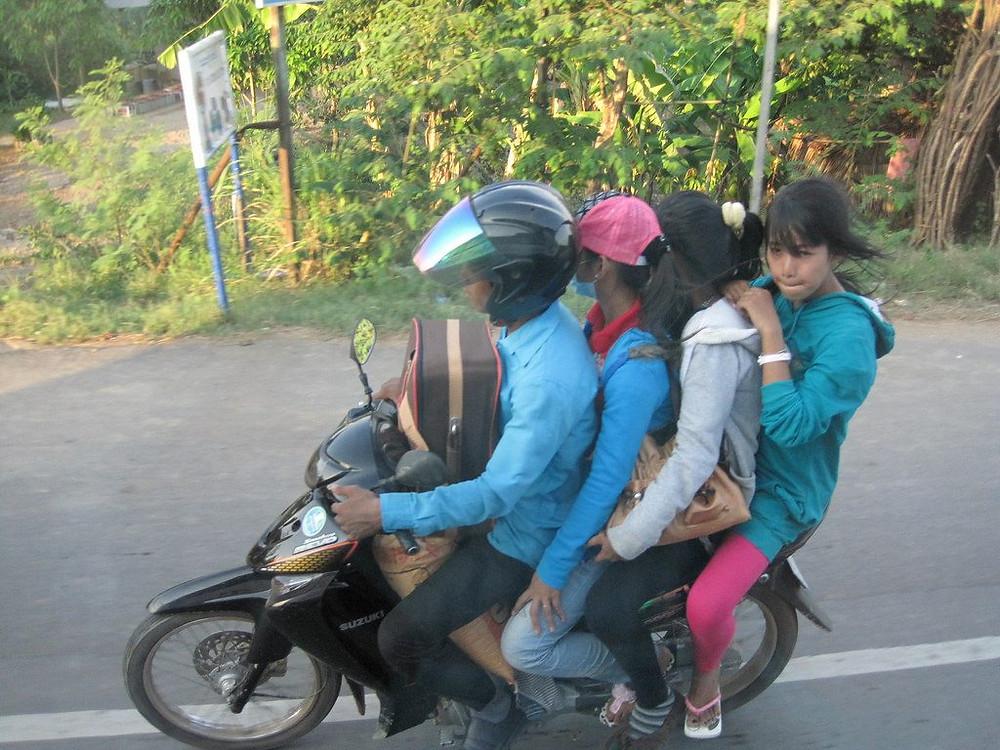 Parmi les décès enregistrés, 27 sont des motocyclistes et 17 d'entre eux ne portaient pas de casque.