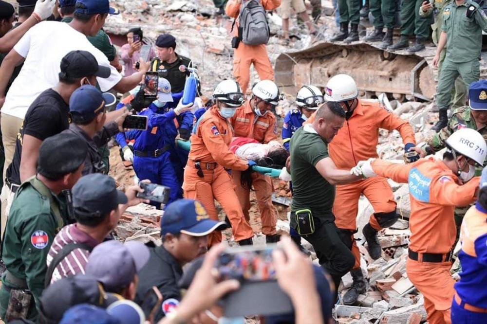 18 décès, 24 blessés secourus et 4 arrestations après l'effondrement de l'immeuble en travaux