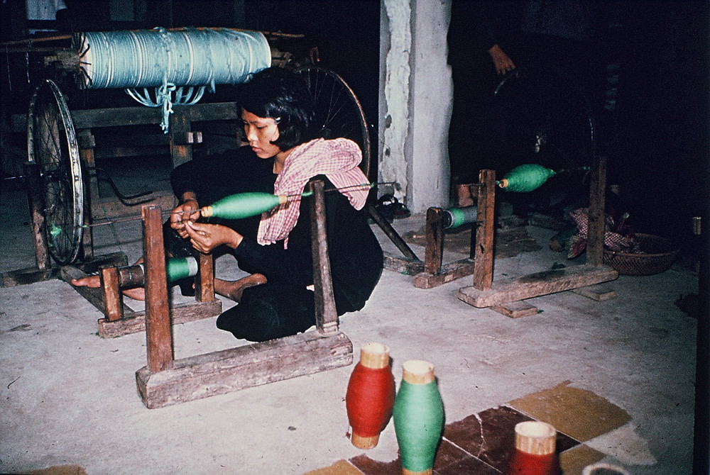 Cambodgienne dans une coopérative. Illustration DC Cam