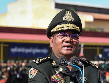 le général Hing Bun Heang