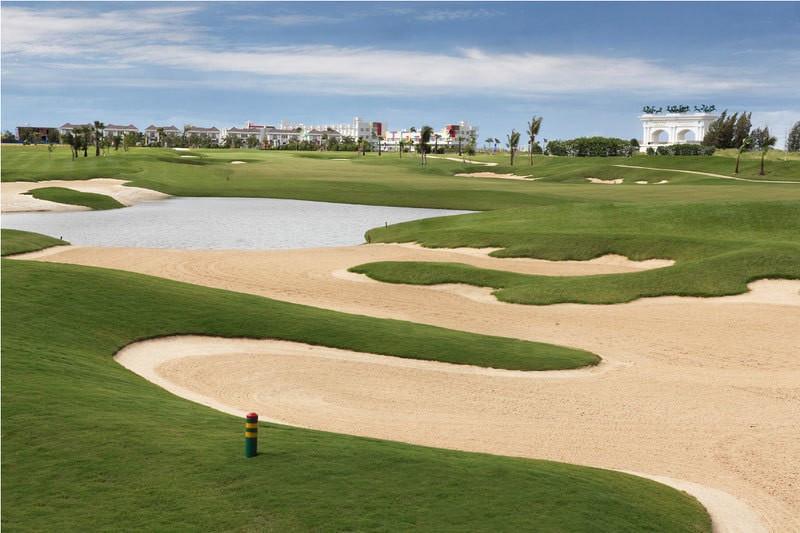parcours de golf haut de gamme conçu par l'entreprise américaine, Nicklaus Design