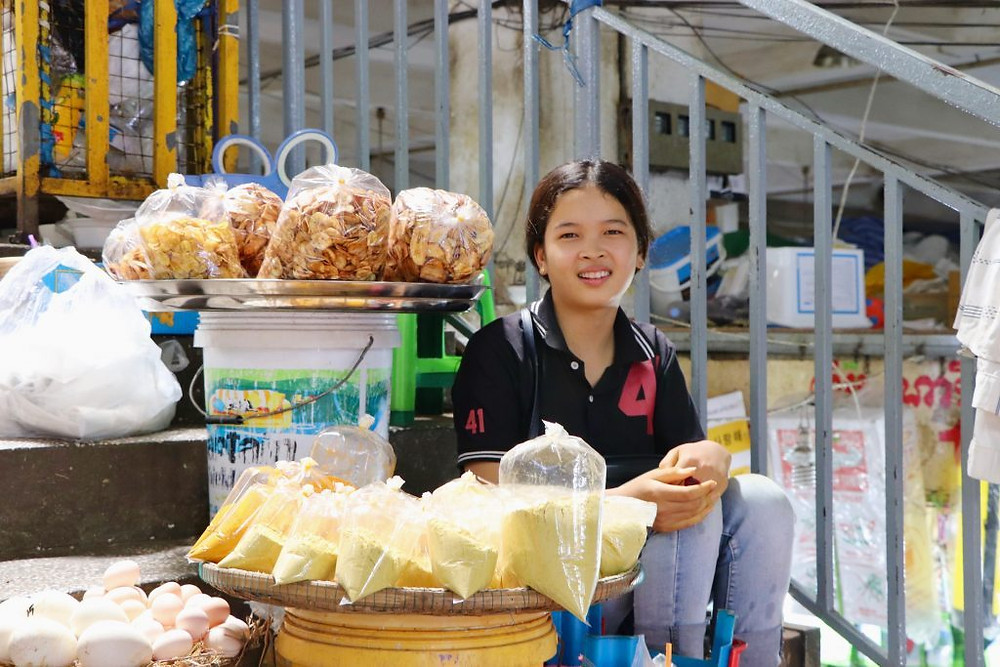 Vendeuse du Marché Orussey