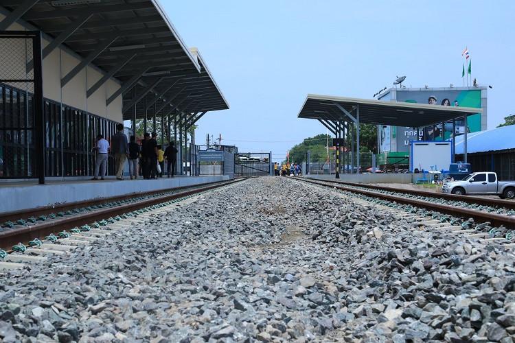 la gare Poipet-Klong Luk sera aussi inaugurée le même jour