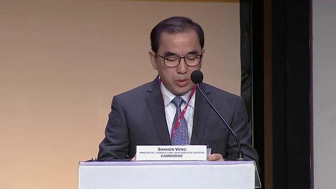 Le ministre de l'Agriculture, des Forêts et de la Pêche, S.E. Veng Sakhon