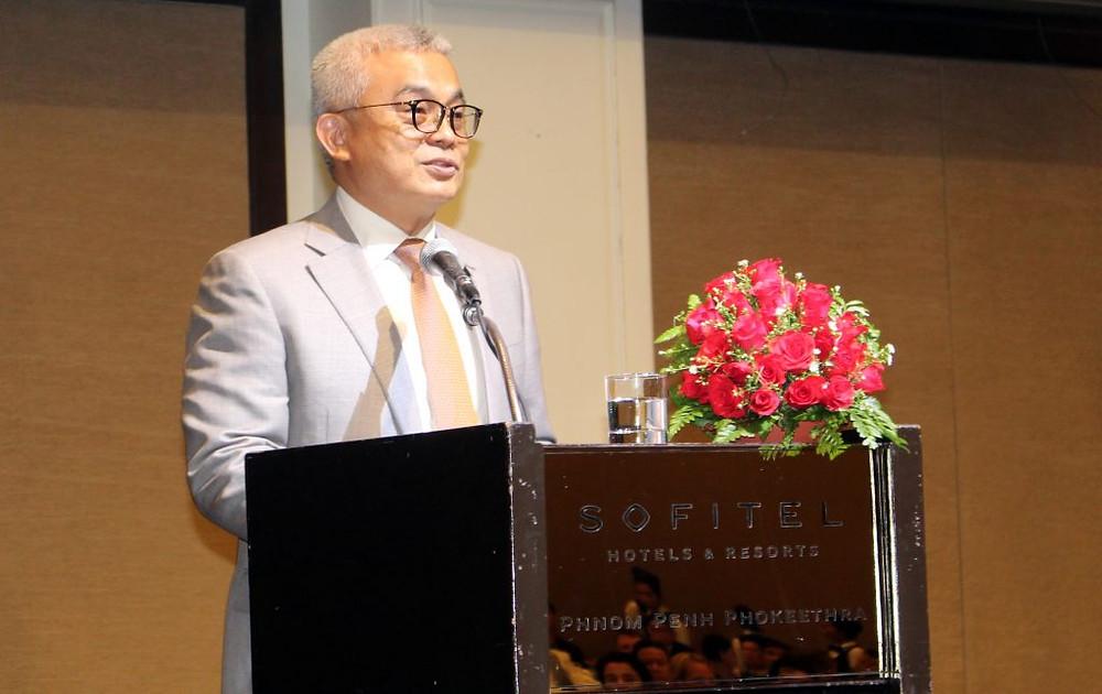 S.E. Aun Pornmoniroth, Ministre de l'Economie et des Finances