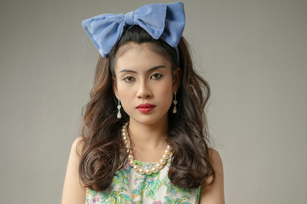 Mealea, interprétée par la Cambodgienne Ho Sreytoch (Bella)