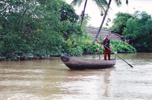 Embarcation dans le delta du Mékong. Photographie par Per-Olof Forsberg (CC)