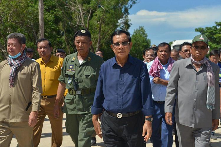 Le Premier ministre Hun Sen lors de sa visite à Sihanoukville