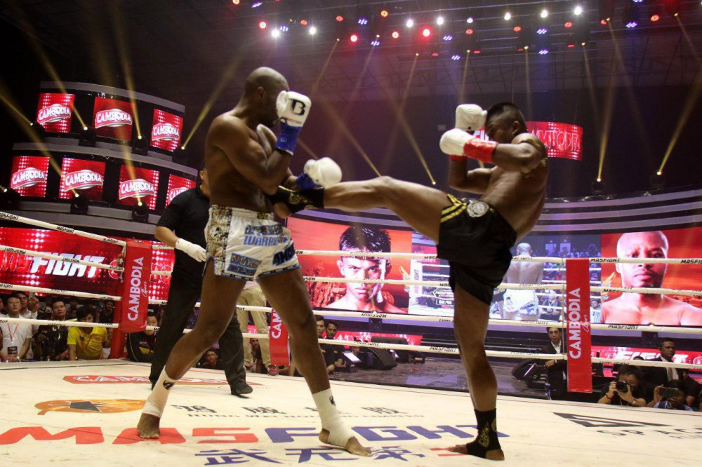 Buakaw Banchamek vainqueur du premier tournoi Mas Fight Cambodia