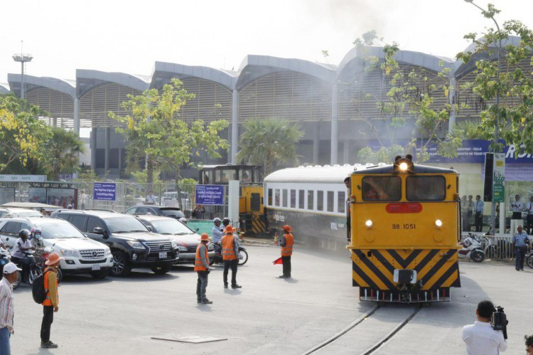 Lancement du service ferroviaire vers l'aéroport international de Phnom Penh
