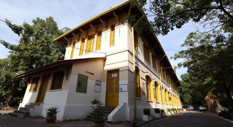 Photographie & Histoire : Preah Sisowath High School, le plus ancien lycée de Phnom Penh