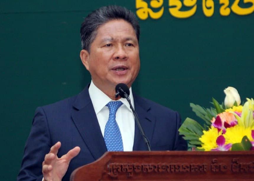 Le ministre des Travaux publics et des Transports, S.E. Sun Chanthol