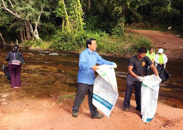 Grand nettoyage à Phnom Kulen