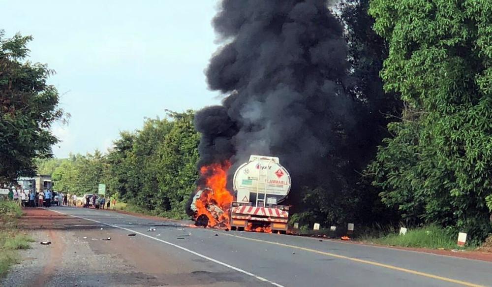 Drame à Sre Ambel : Cinq personnes brûlées vives dans une collision