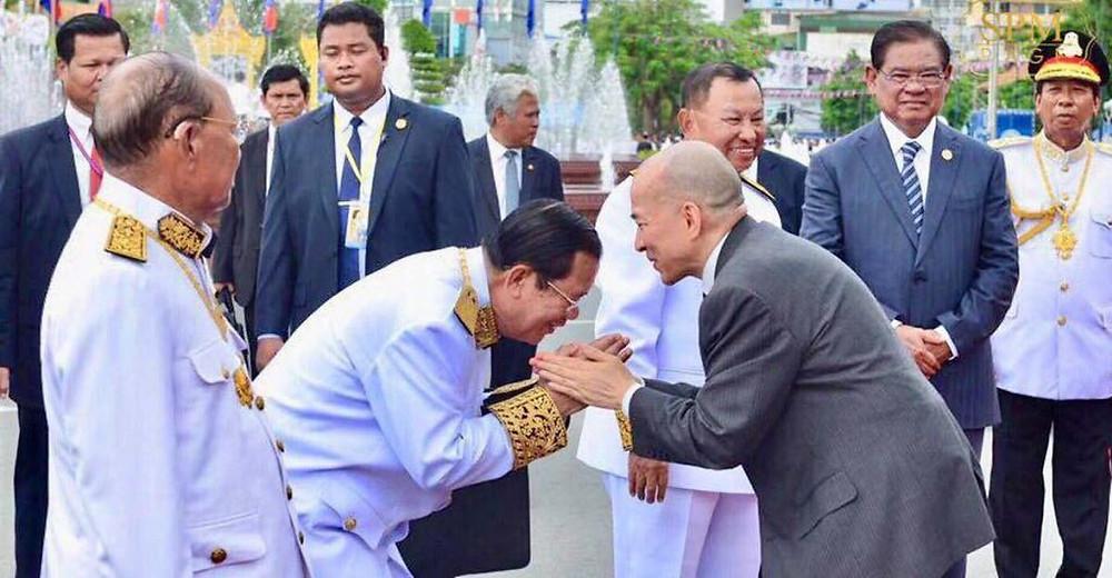 Samdech Techo Hun Sen et Sa Majesté Preah Bat Samdech Preah Boromneath Norodom Sihamoni, Roi du Cambodge