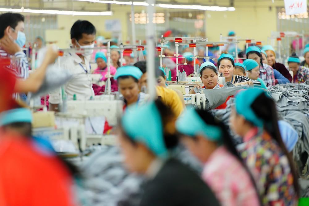 Ouvrières du textile à Phnom Penh. Photographie ILO