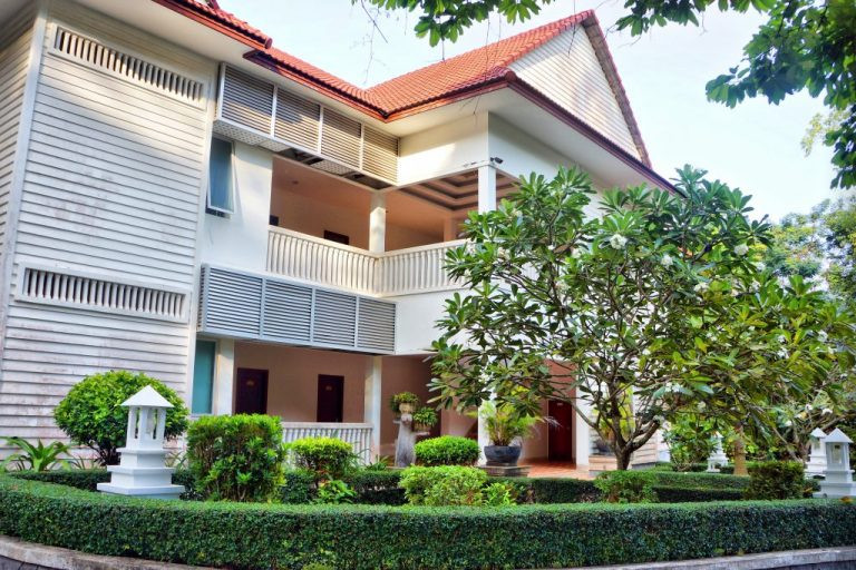 l'Independence Hotel de Sihanoukville, une rénovation ambitieuse