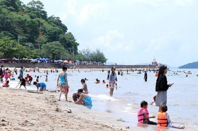 Cambodgiens en vacances à Kep la semaine dernière
