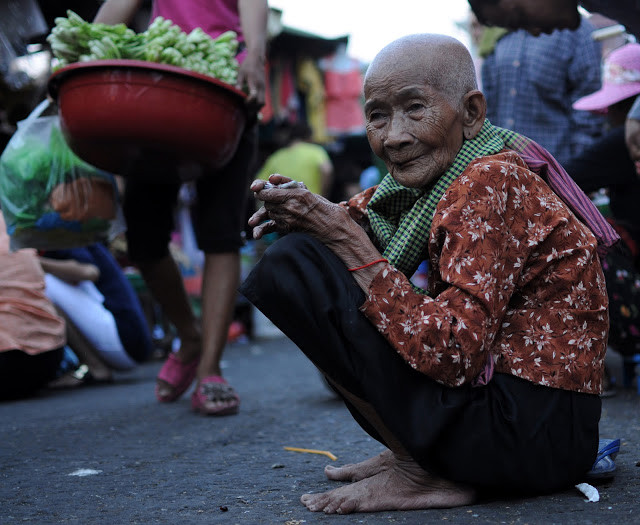 Sourire du Jour : Vieille dame du marché