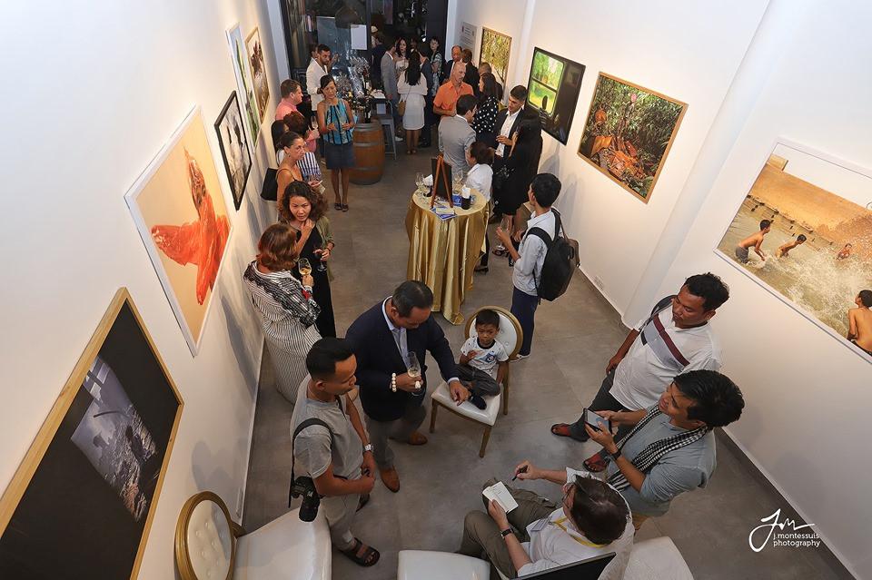 Ouverture de la galerie d'art contemporain SRA'ART