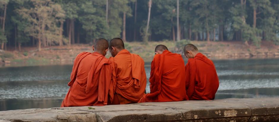 Culture & Photographie : Ankgor retrouve la sérénité religieuse des temps anciens