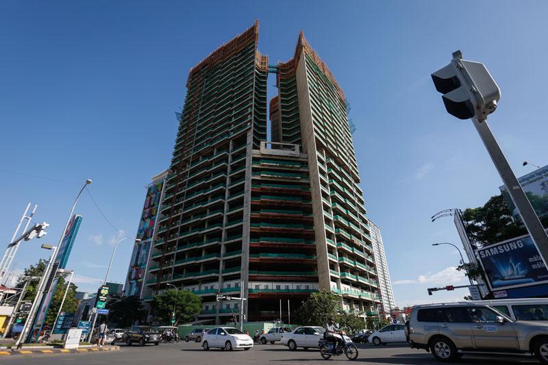 140 millions pour reprendre les travaux de la Golden Tower 42