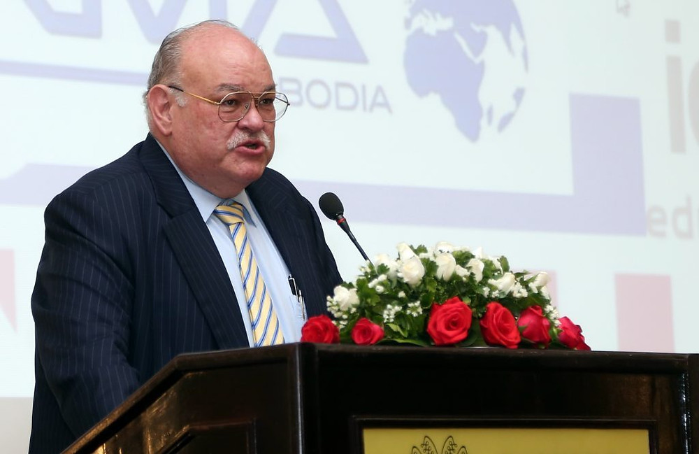 Bretton G. Sciaroni, président d'Amcham Cambodia. Photographie US Embassy (cc)