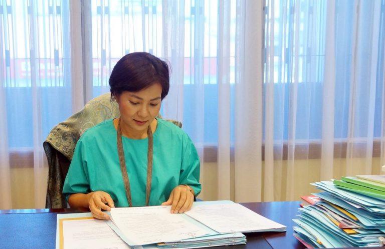 Son Excellence CHEA Serey, Directrice Générale de la Banque Nationale du Cambodge