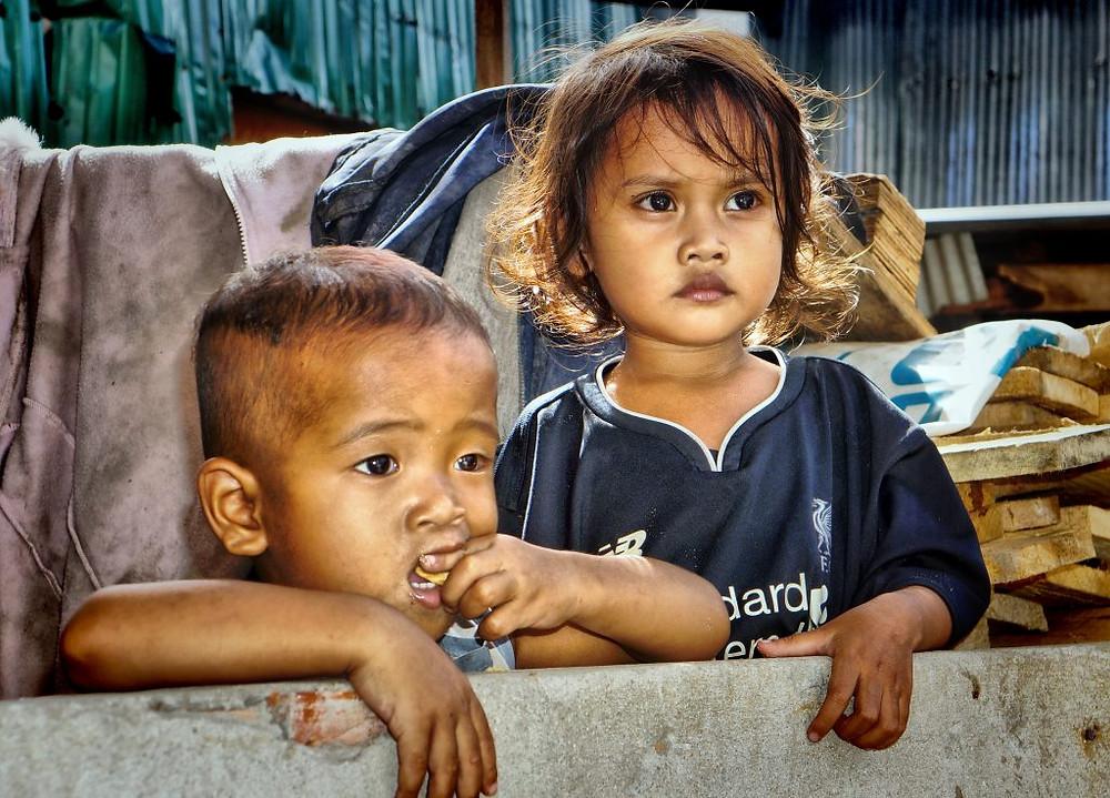 Enfants des bidonvilles de Phnom Penh