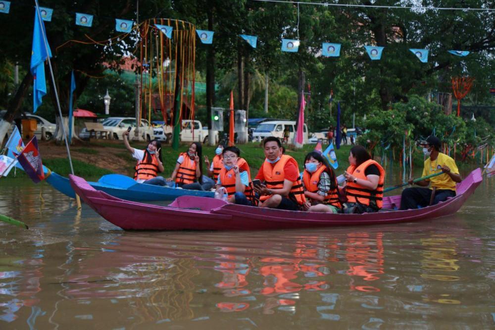 Animations sur la rivière Siem Reap