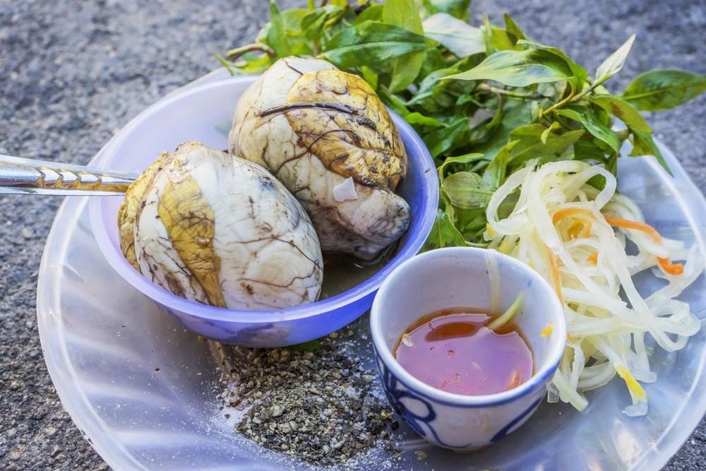 Balut ou Pong Tie Kon