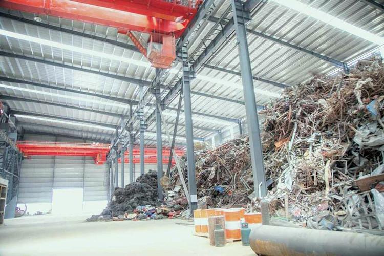 L'usine appartient à la société chinoise Hong De Sheng (Cambodge) Steel Co., Ltd.