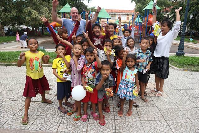 Les enfants des bidonvilles au parc
