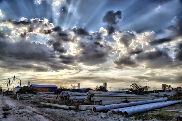 Cliché pris dans la cour d'une usine de câblage dans la banlieue proche de Phonm Penh