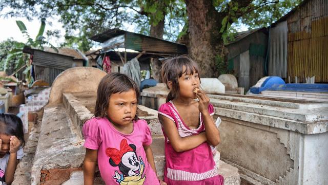 Enfants de la communauté de Chbar Ampov