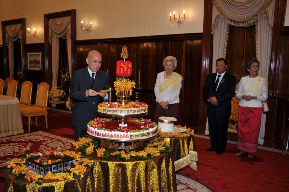 Meilleurs vœux à Sa Majesté le Roi à l'occasion de son 66e anniversaire