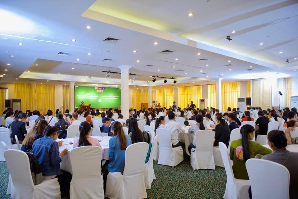 200 travailleurs informels et représentants d'ONG ont discuté des inégalités entre hommes et femmes au travail et à la maison