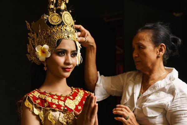 Voan Savay, ancienne ballerine du Ballet Royal et directrice de ce dernier spectacle de Cambodian Living Arts