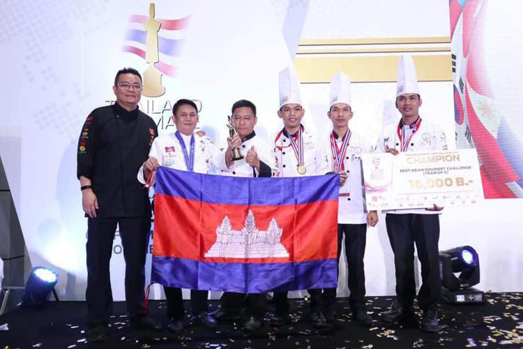 Le Cambodge gagne la première place dans une compétition de cuisine asiatique à Bangkok